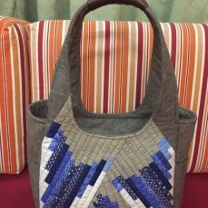 Blue stripes quilted hand bag
